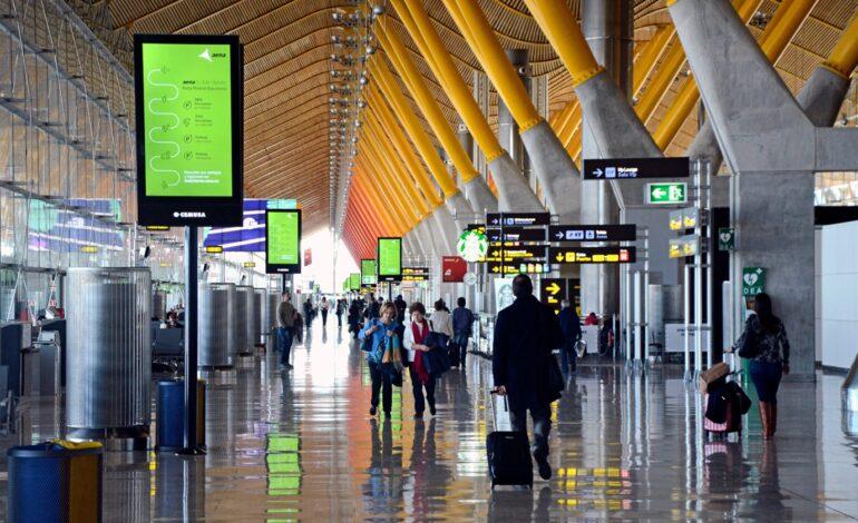España extiende las restricciones de vuelos con 13 países
