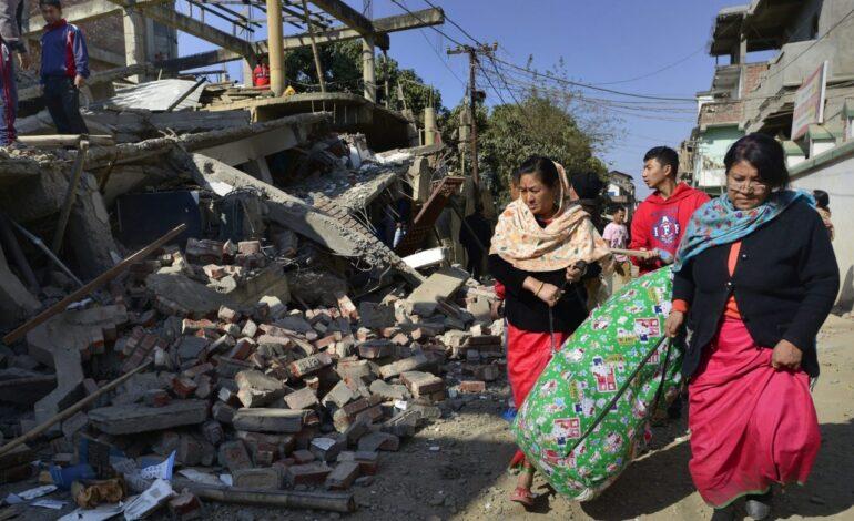 India sufre terremoto de 6,4 grados