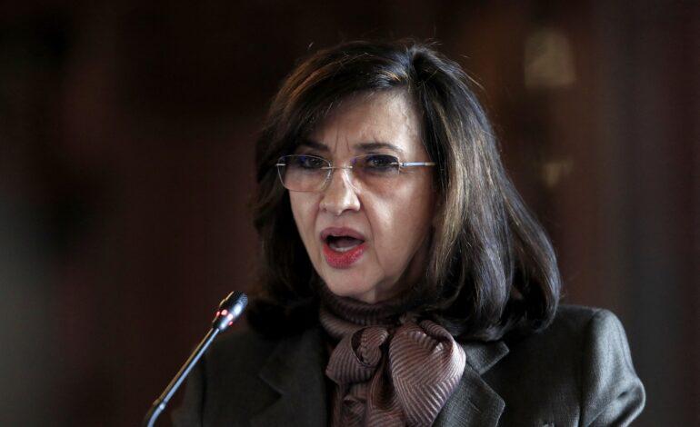 Renunció la canciller Claudia Blum