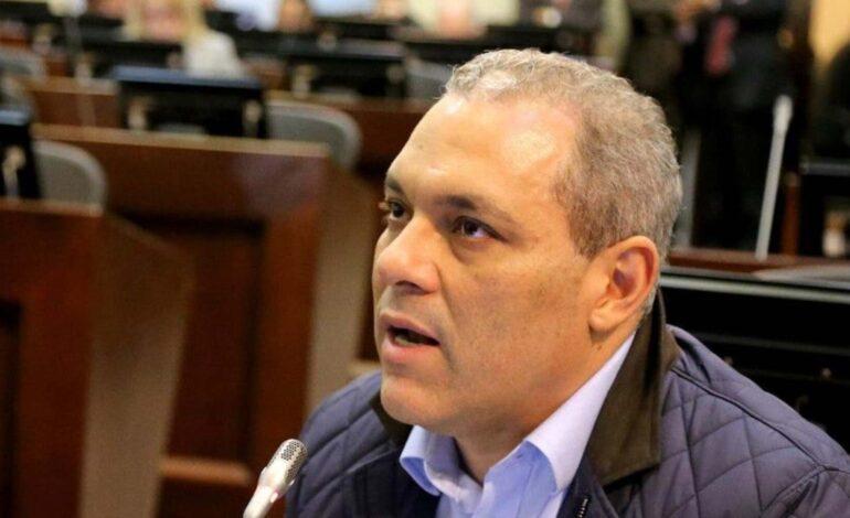 Emergencia en Salamina es culpa de las mafias que se están robando el Magdalena: José David Name