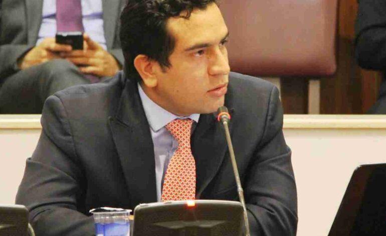 Edward Rodríguez radicó proyecto de ley 'El que la hace la paga'