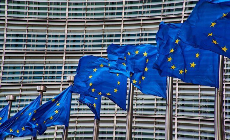 La Unión Europea pide aceptar viajeros de territorio no europeo