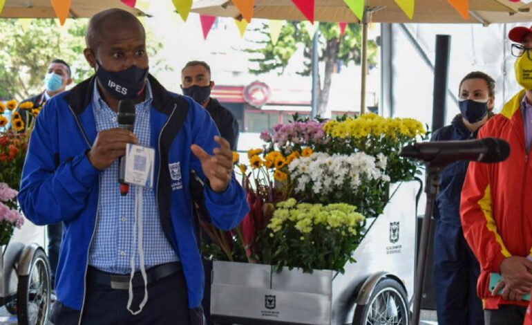 Bogotá no persigue a vendedores ambulantes sino que quiere ayudarlos: Libardo Asprilla