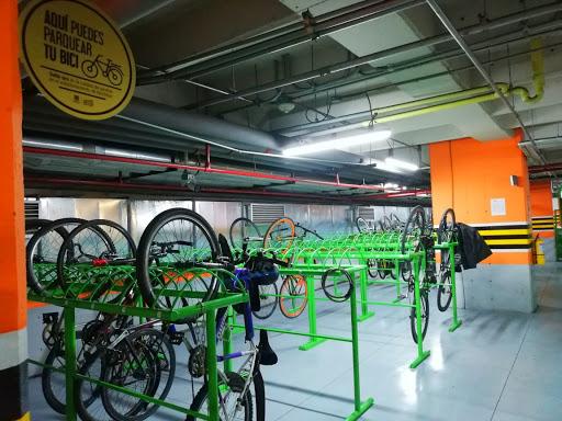 Bogotá alcanza 200  cicloparqueaderos certificados