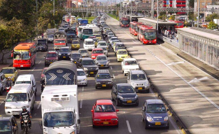 Se habilita reversible en calle 85 para descongestionar subida a La Calera