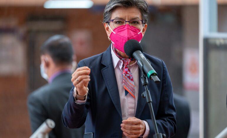 Bogotá seguirá con atención a la población migrante: Claudia López