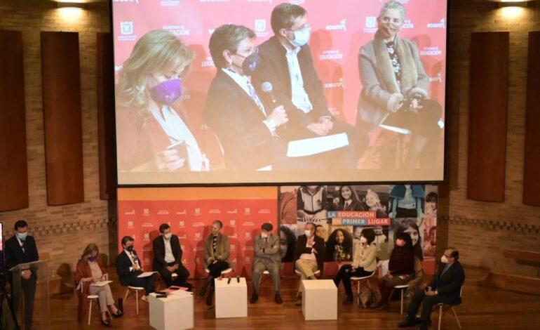 Alcaldesa de Bogotá presentó ruta para transformar educación