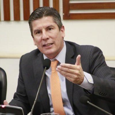 Es una vergüenza cerrar investigación a Santos por dineros ilícitos en su campaña: Ricardo Ferro.